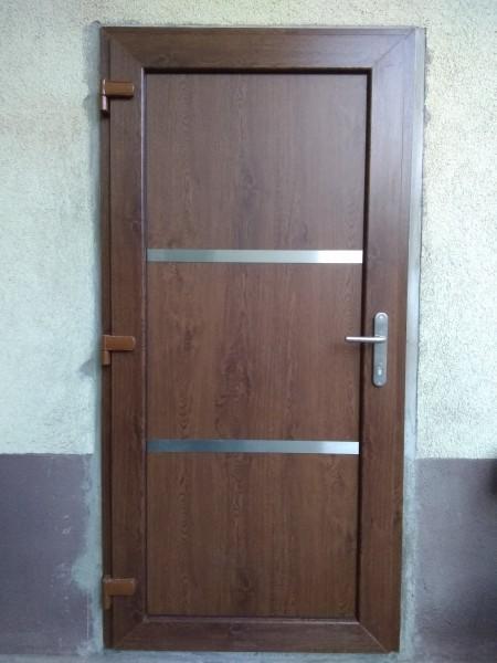 PVC-Haustuer-Justine-Golden-Oak-nach-aussen-oeffnend